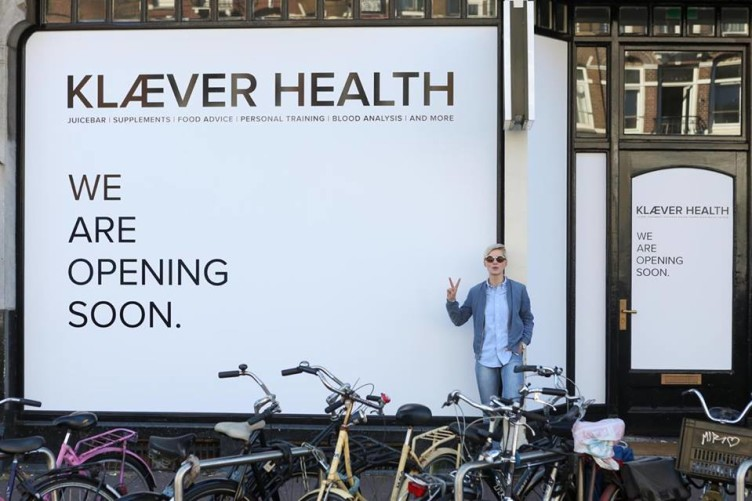 Stefanie just opened up her new store KLÆVER HEALTH at Rozengracht 217 in Amsterdam. KLÆVER HEALTH provides all the tools necessary to create a healthy life; top quality nutritional supplements, Detox Programs, personalised dietary advice, health analysis, personal training and healthy foods.